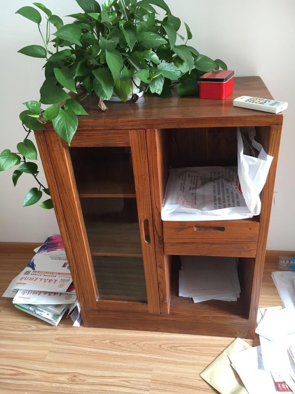 低价出售自用老榆木办公桌椅 茶水柜 罗汉床 书橱